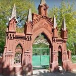 Стену Байкового кладбища запретили трогать