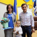 В Житомире молодой семье предоставили однокомнатную квартиру
