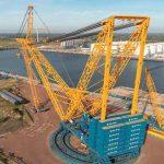 Собран самый большой кран в мире. Видео