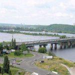 Столица Украины вечером с птичьего полета. Развязка на мосту Патона