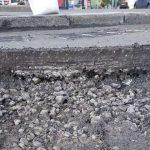В Киеве обновляют дороги южного направления