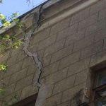 В разваливающемся доме в Запорожье поменяют водопровод