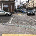 На пешеходных переходах устанавливают LED-камень