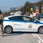 На дорогах под Севастополем появились блокпосты: въезд и выезд ограничены