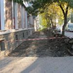 Бердянск усердно ремонтирует тротуары