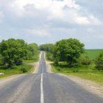 К Сатанову активно ремонтируют дороги