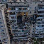 Две пострадавших от взрыва семьи уже получили помощь на ремонт жилья
