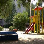 В Запорожье завысили стоимость ремонта детских площадок