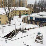 """Перед станцией метро """"Арсенальная"""" отреставрировали площадь"""