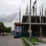 В Киеве на проезжей части снова стали строить ТРЦ
