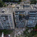 Поврежденный взрывом дом на Позняках до сих пор не снесли